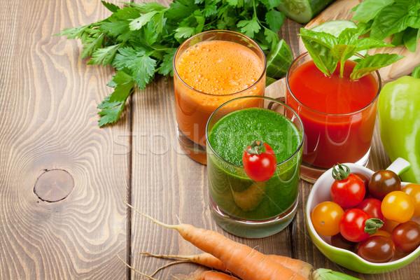 Smoothie tomaat komkommer wortel houten tafel Stockfoto © karandaev