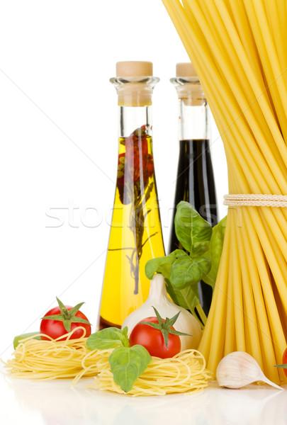 Pasta tomaten basilicum olijfolie azijn knoflook Stockfoto © karandaev