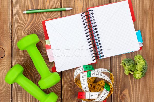 Foto stock: Fita · métrica · alimentação · saudável · bloco · de · notas · cópia · espaço · fitness · saúde