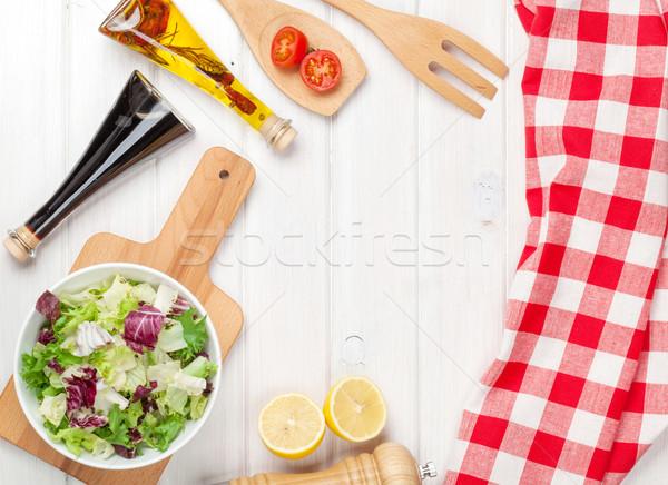 Stockfoto: Vers · gezonde · salade · witte · houten · tafel