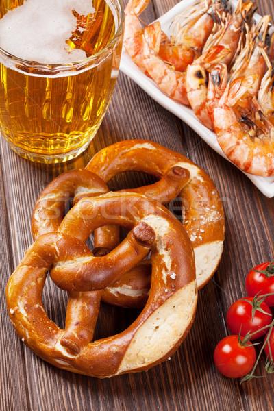 Tuzlu kraker bira kupa ızgara ahşap masa gıda Stok fotoğraf © karandaev