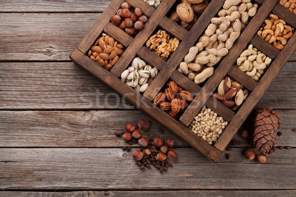 Stock fotó: Különböző · diók · fából · készült · doboz · földimogyoró · mogyoró