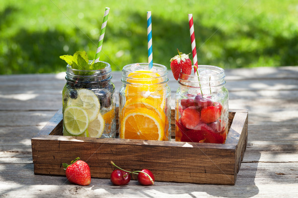 Foto d'archivio: Fresche · limonata · jar · estate · frutti · frutti · di · bosco
