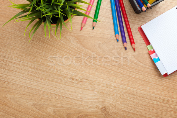 Biuro tabeli kwiat notatnika kolorowy ołówki Zdjęcia stock © karandaev