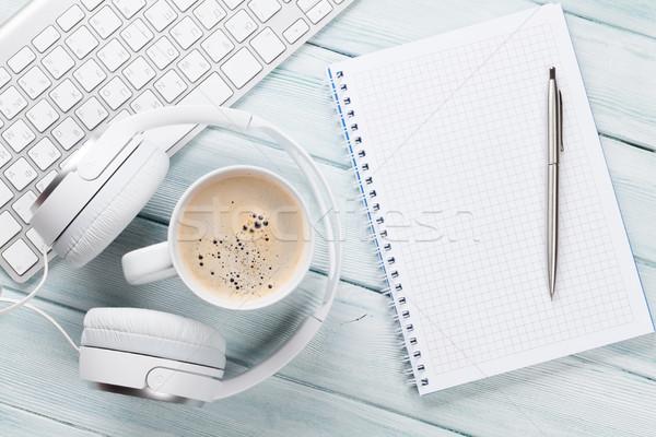 Słuchawki kawy notatnika pc biurko Zdjęcia stock © karandaev