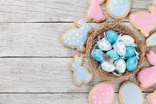 Paskalya zencefilli çörek kurabiye yumurta ahşap masa tavşanlar Stok fotoğraf © karandaev