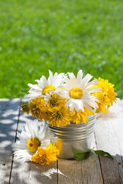 świeże ogród kolorowy kwiaty bukiet Zdjęcia stock © karandaev