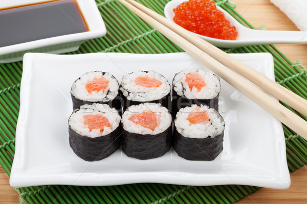 Sushi ingesteld eetstokjes Rood kaviaar sojasaus Stockfoto © karandaev