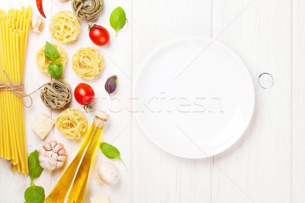 Olasz étel főzés hozzávalók üres tányér tészta Stock fotó © karandaev