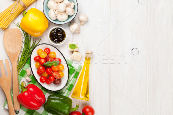 Foto d'archivio: Cucina · italiana · cottura · ingredienti · pasta · verdura · spezie