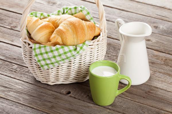 Stockfoto: Vers · croissants · melk · mand · houten · tafel · voedsel