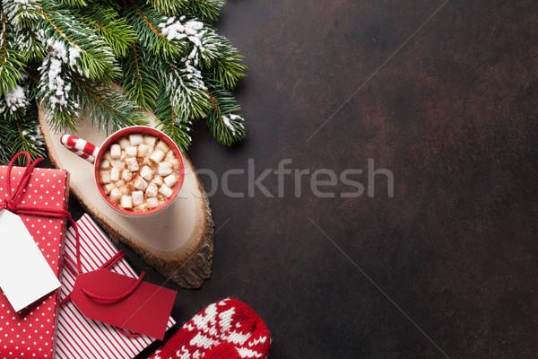 Karácsony fenyőfa ajándékok forró csokoládé ajándékdobozok mályvacukor Stock fotó © karandaev
