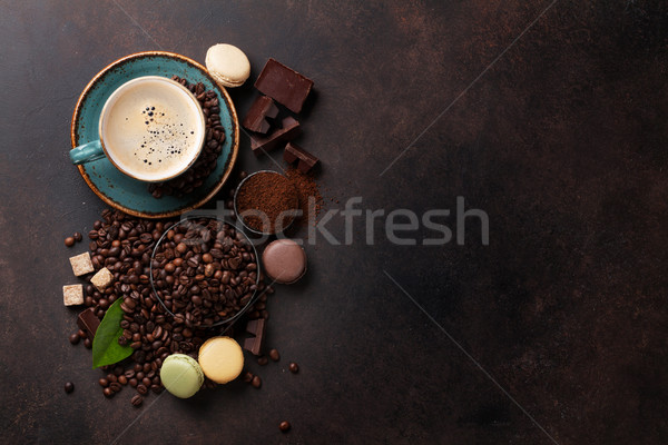 Stok fotoğraf: Kahve · fincanı · fasulye · zemin · toz · çikolata · taş