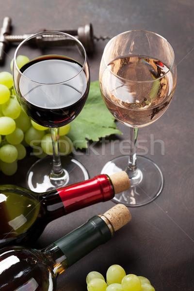 Stok fotoğraf: şarap · bardakları · üzüm · taş · tablo · gıda · yaprak