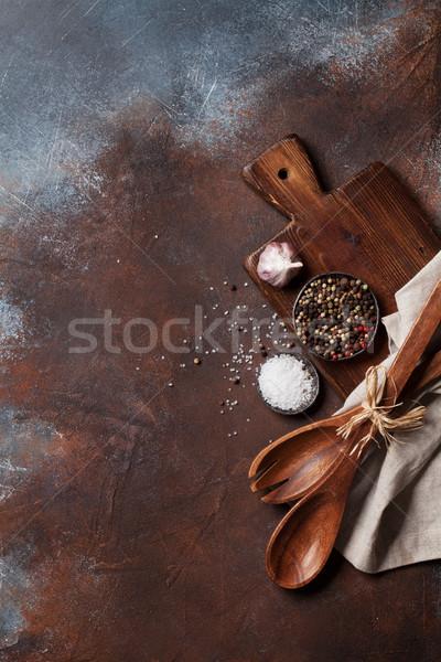 Klasszikus konyha kellékek fűszer vágódeszka főzés Stock fotó © karandaev