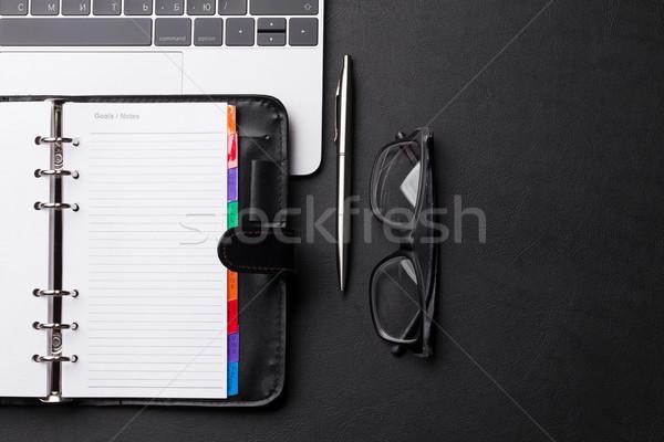 Ofis işyeri tablo dizüstü bilgisayar üst Stok fotoğraf © karandaev