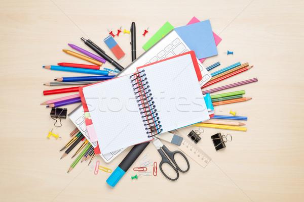 Jegyzettömb iskola irodaszerek iroda asztal felső Stock fotó © karandaev