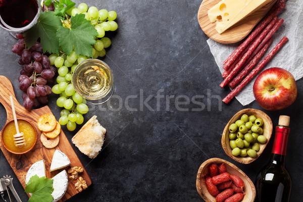 Foto stock: Vino · de · uva · queso · salchichas · rojo · vino · blanco