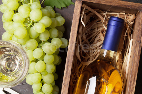 Wine and grapes Stock photo © karandaev