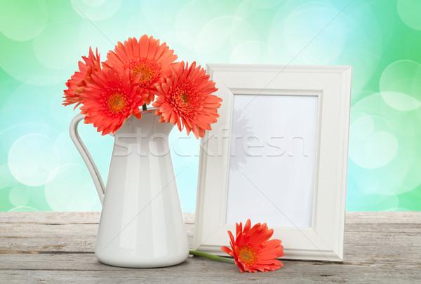 Сток-фото: оранжевый · цветы · деревянный · стол · Солнечный · bokeh