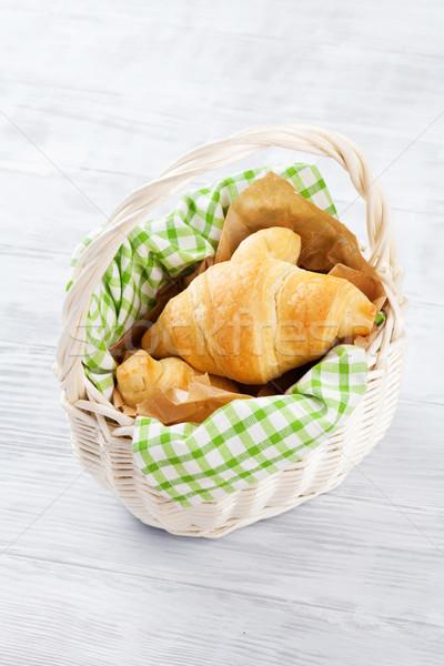 Stockfoto: Vers · croissants · mand · houten · tafel · tabel · cafe