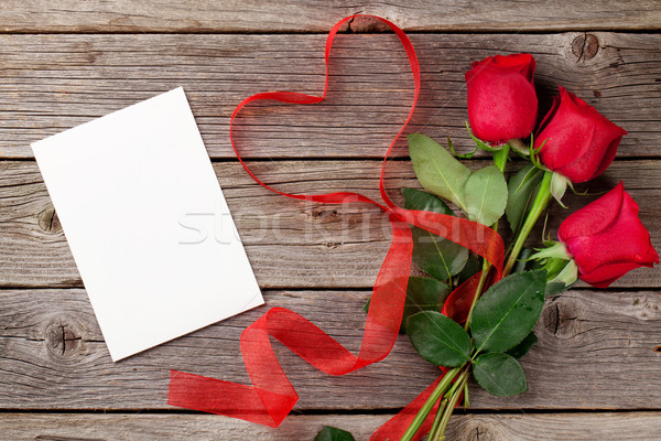 Red roses and Valentine's day card Stock photo © karandaev