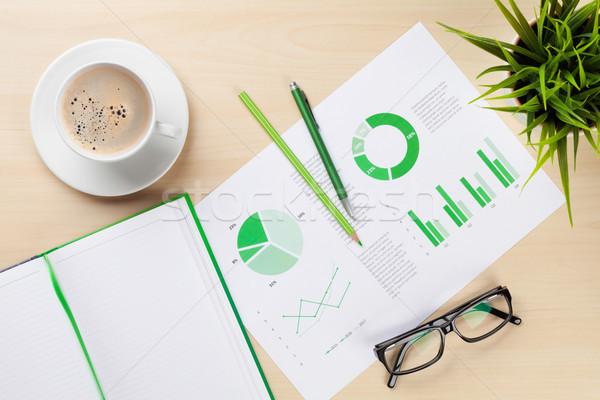 Iroda munkahely táblázatok növény jegyzettömb irodai asztal Stock fotó © karandaev