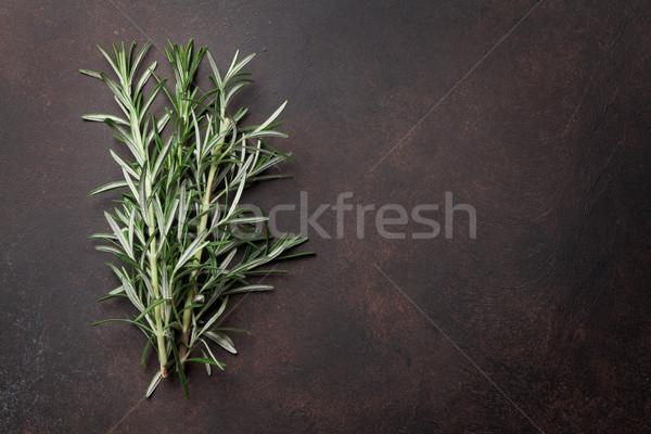 Romarin herbes sombre pierre table haut Photo stock © karandaev