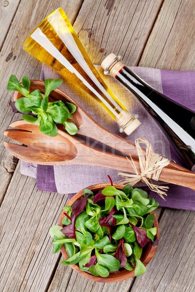 Mais Salat Blätter Gewürze Holztisch top Stock foto © karandaev