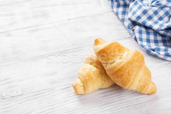 Stockfoto: Vers · croissants · houten · tafel · exemplaar · ruimte · voedsel