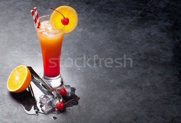 Tequila sunrise cocktail sombre pierre table Photo stock © karandaev