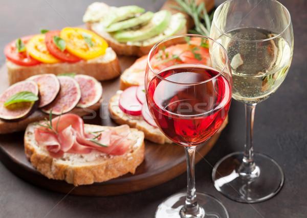 Spanyol tapas szett bor rózsa fehérbor Stock fotó © karandaev