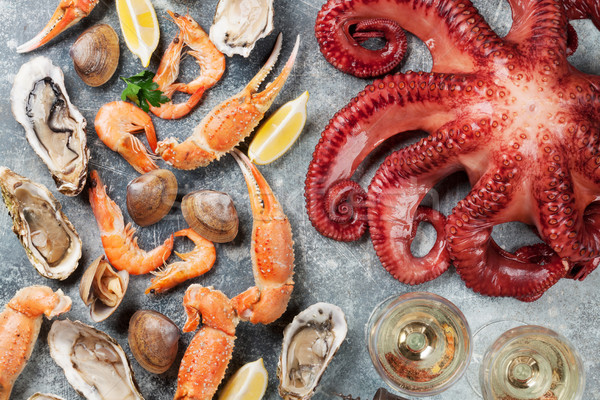Fruits de mer poulpe homard vin blanc haut Photo stock © karandaev