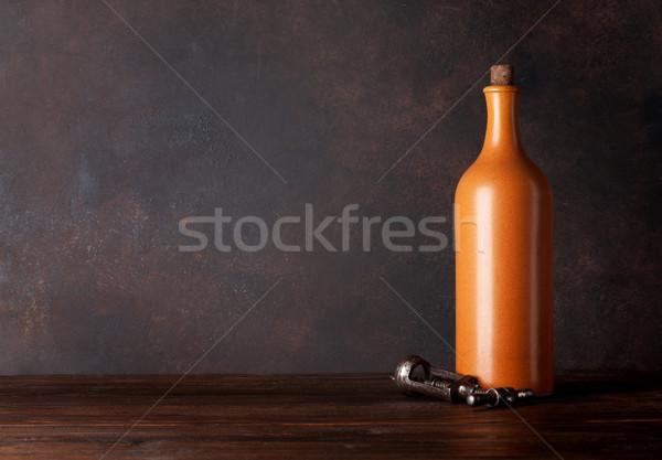 Bottiglia di vino lavagna muro copia spazio sfondo Foto d'archivio © karandaev