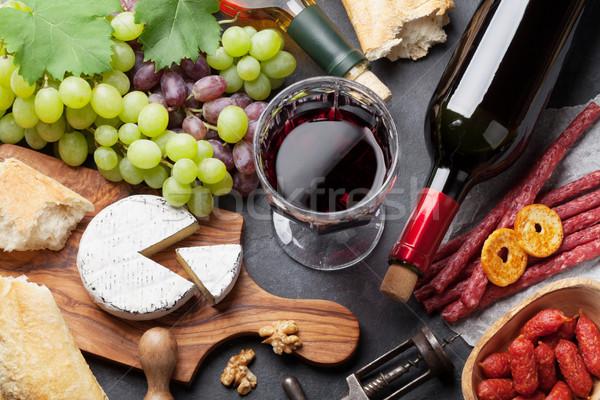 Bor szőlő sajt kolbászok piros fehérbor Stock fotó © karandaev