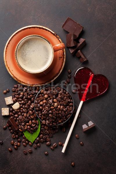 Foto d'archivio: Tazza · di · caffè · fagioli · cioccolato · candy · cuore · pietra