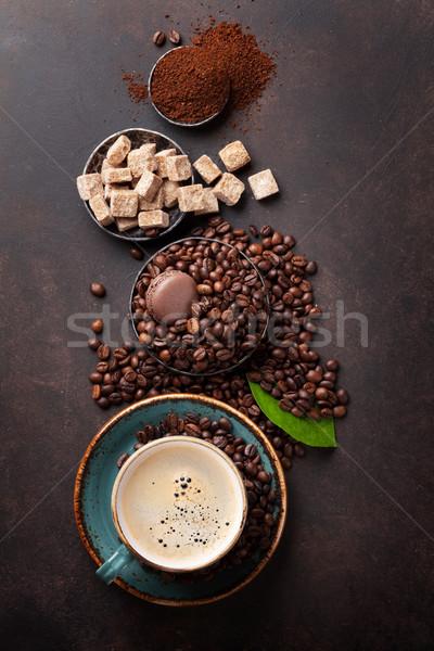 Taza de café frijoles azúcar piedra superior vista Foto stock © karandaev