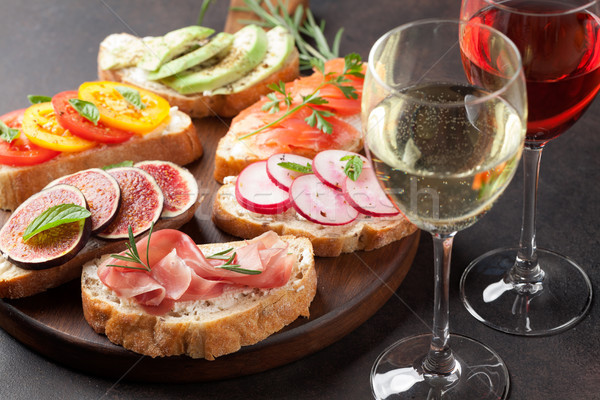Espagnol tapas vin rose vin blanc Photo stock © karandaev