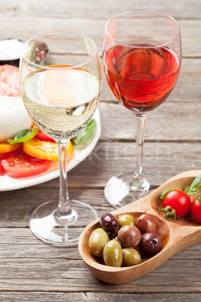 белый закрывается вино салат Капрезе Бокалы традиционный Сток-фото © karandaev