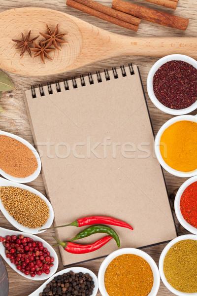 Baharatlar notepad bo ahşap masa gıda Stok fotoğraf © karandaev