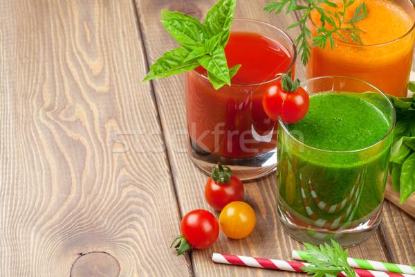 Tomates pepino cenoura mesa de madeira Foto stock © karandaev