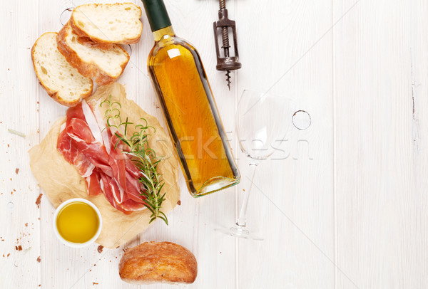 Stock fotó: Prosciutto · bor · parmezán · olívaolaj · fa · asztal · felső