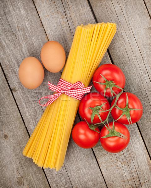 пасты помидоров яйца деревянный стол продовольствие фон Сток-фото © karandaev