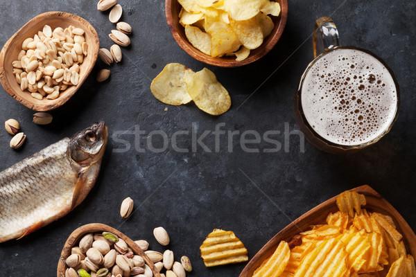 Lagerbier Bier mug Snacks Stein Tabelle Stock foto © karandaev
