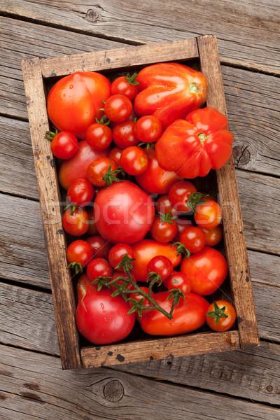 Rijp tuin tomaten houten vak top Stockfoto © karandaev