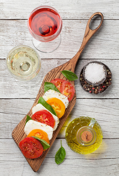 カプレーゼサラダ トマト バジル ワイン バラ ストックフォト © karandaev