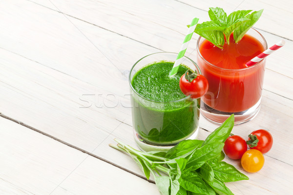 Légumes frais smoothie tomate concombre table en bois nature Photo stock © karandaev