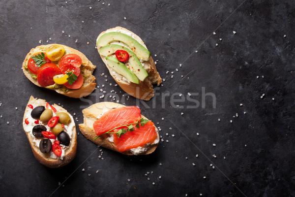 Toast panini avocado pomodori salmone olive Foto d'archivio © karandaev