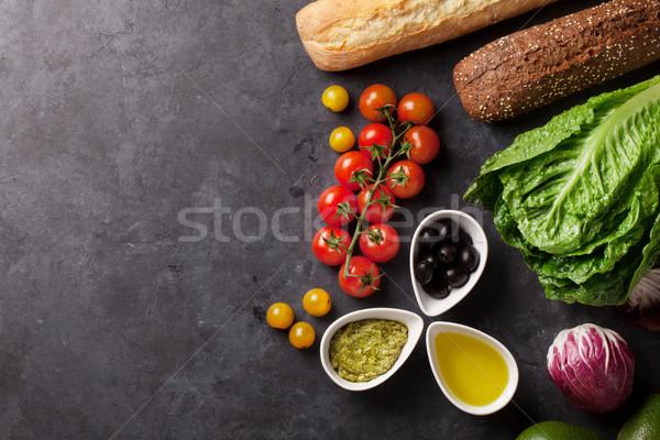 Pişirme gıda malzemeler marul salata avokado Stok fotoğraf © karandaev