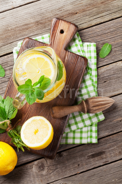 Limonade citroen mint ijs tuin tabel Stockfoto © karandaev